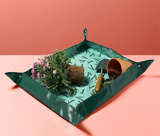 Priestorovo úsporná záhradnícka pracovná fólia