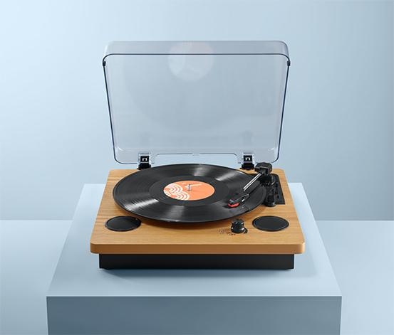 Gramofón »Dual DTR 61« so zabudovanými reproduktormi