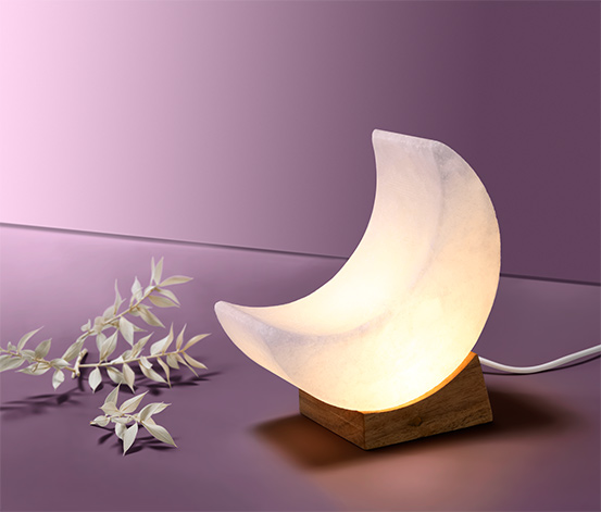 Svietiaci mesiac s LED zo soľného kryštálu