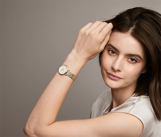 Dámske hodinky s dvojfarebným remienkom z ušľachtilej ocele