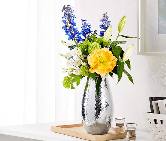 Váza vo vzhľade tepaného kovu