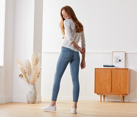 Úzke džínsy s dĺžkou po členky